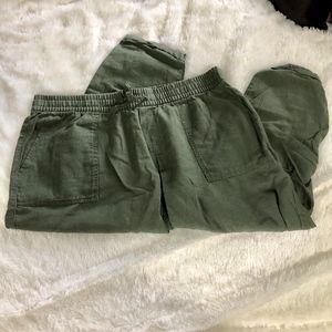 Old Navy linen capri pants